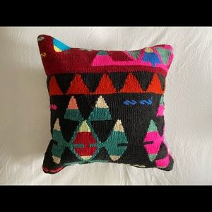 "13"" x 13"" Colorful Kilim Boho Pillow"